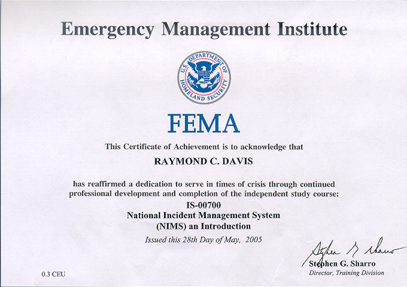 how to become an emergency management specialist